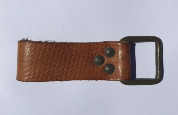 Universalhalter / Lederschlaufe mit Metallschnalle